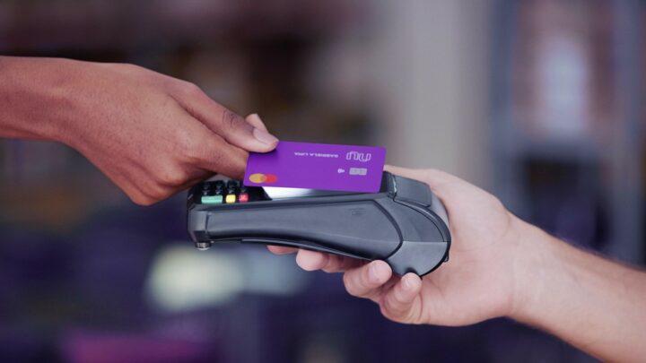 Banco pode enviar cartão por aproximação se não for solicitado?